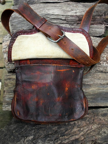 period hunting bag