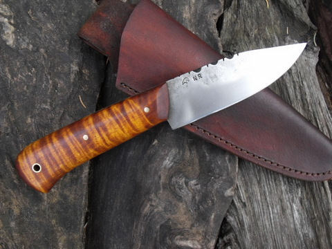 hand-forged custom trail knife