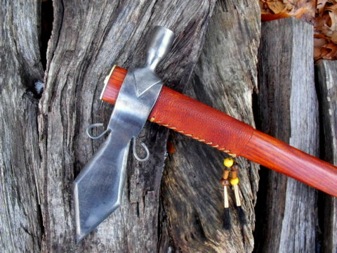 hand-forged custom tomahawk