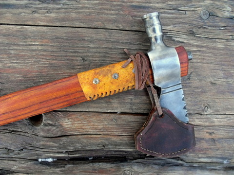pipe-tomahawk