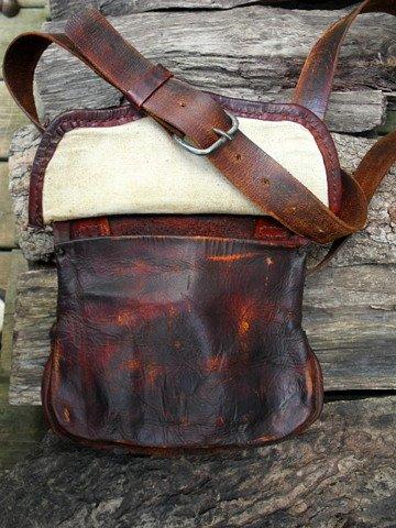 period hunting bag
